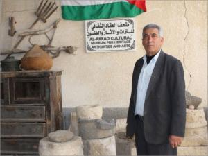 السيد وليد العقاد بمتحف العقاد للتراث الفلسطيني